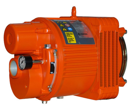 Mattei RVM15 compressor is able to deliver the quantities of air required (150 litres of air per minute) by the pneumatic supply system on the vehicle, including the brakes and suspensions. It adapts well to the compact size of the Rampini buses, contributing to the excellent level of performance.