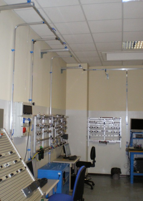 A detail of the compressed air distribution system donated by TESEO to the University