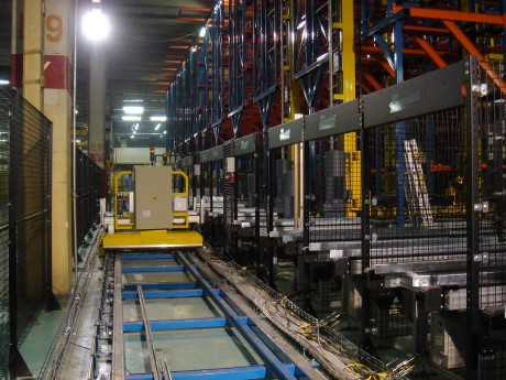 Intensive warehouses at high automated handling.