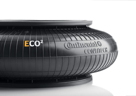 The new ECO2 air actuators are resistant to chemicals and environmental influences and can now also be used in applications in which they are exposed to lubricating oils, corrosive vapors, and alkali compounds.