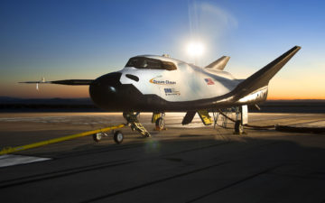 Shuttle service into space with the Dream Chaser and Eichenberger
